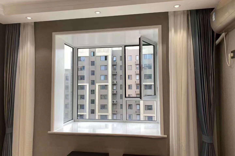 阳台卧室断桥铝平开窗及厨房推拉门
