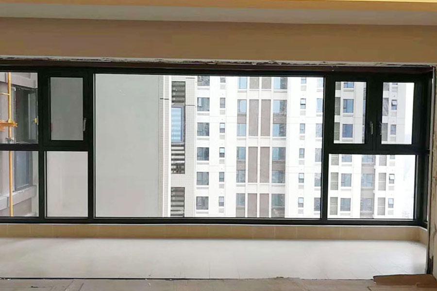 断桥铝大阳台窗户